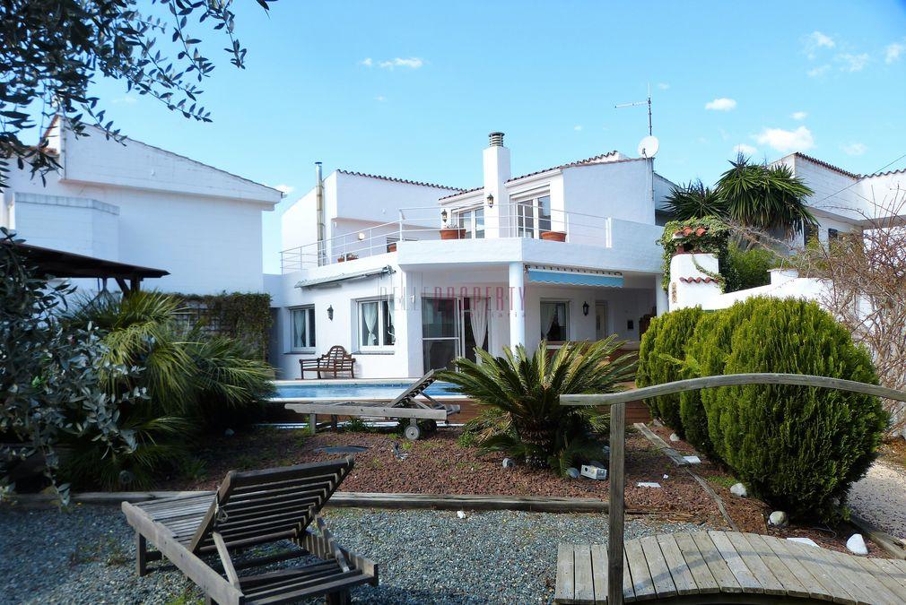 Haus, mediterranen Stil mit Liegeplatz in der Marina von Empuriabrava