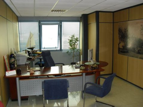 Empuriabrava, for sale 2 office floors, 240m2 each one, interesting price