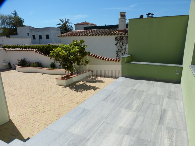 For sale: modern rental object in Ampuriabrava, Spain