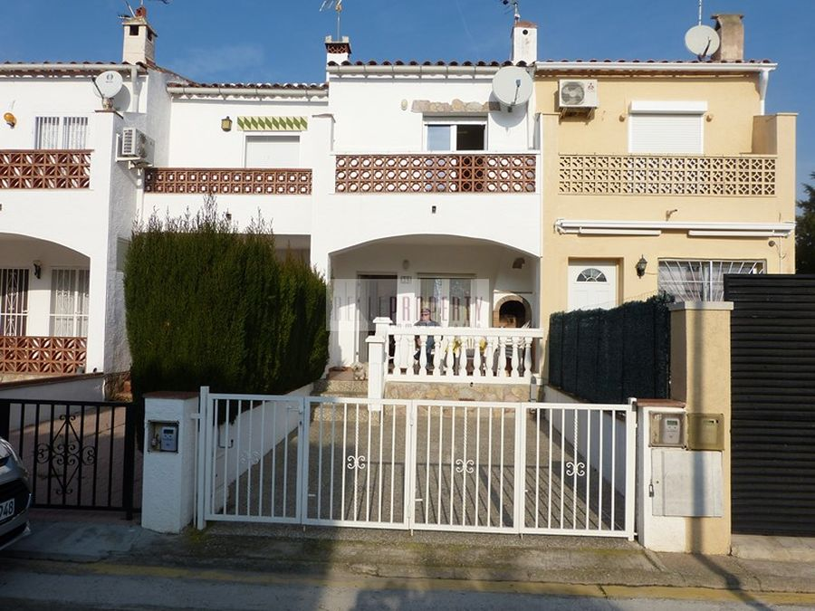 Investment estate in Ampuriabrava, Costa Brava