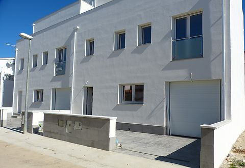 New project of modern houses on Empuriabrava beach