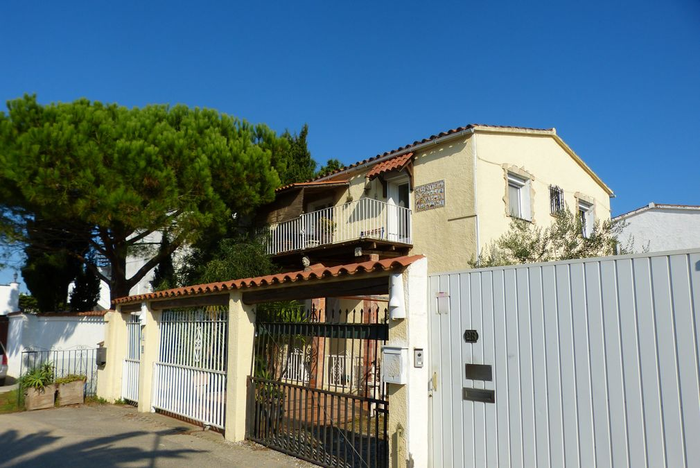 3-room-flat in central sector in Empuriabrava at the sea with 5 m. mooring