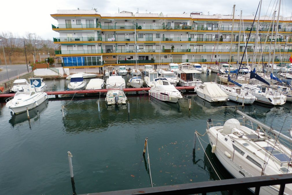 Real Estate for sale in Empuriabrava on canal, Costa Brava