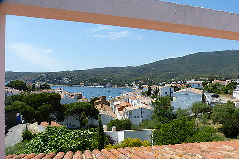 Nice typical house of Cadaques close to the city center and beach