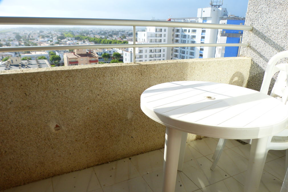 SPECIAL OFFER! 2 studios just in front of the beach