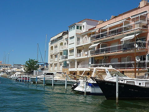 LUMINOUS DUPLEX ON THE CANAL, 400m SEA, VIEW TO THE PORT MONTAGNE-SEA
