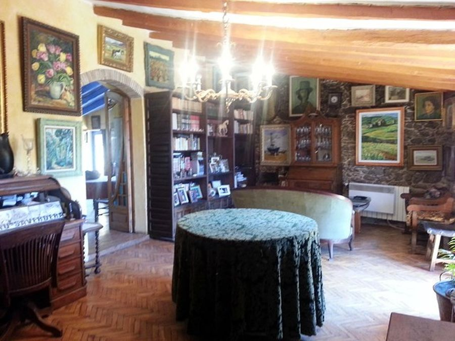 For sale rustic property with two houses in Palau Saverdera, Costa Brava