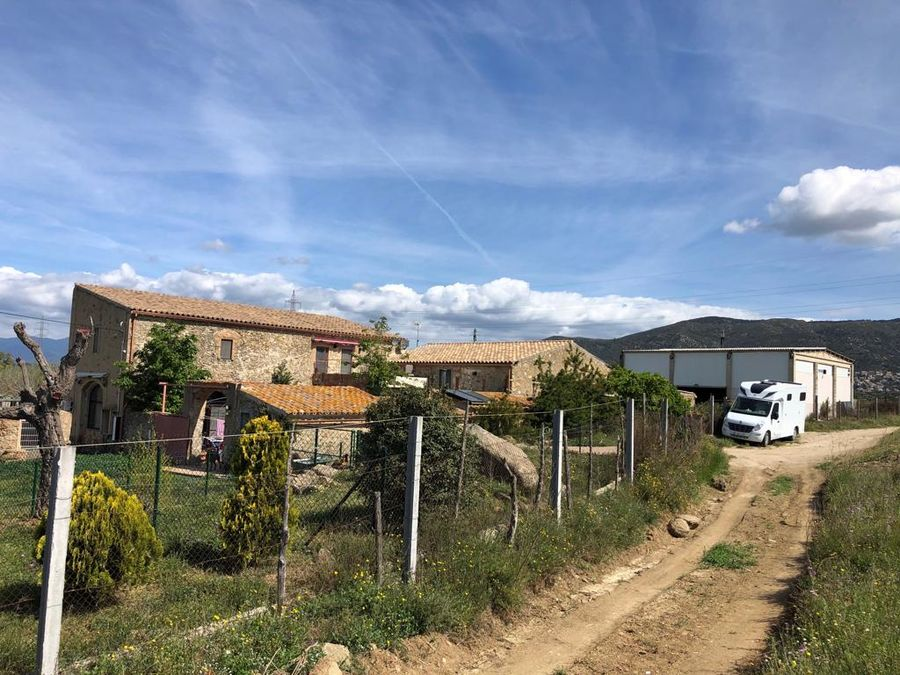 Farm with apartments on a plot of 21,500 m2
