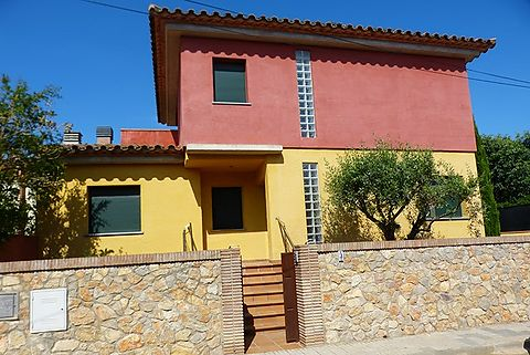 Beautiful villa in the area of Riells in la escala, 500 meters from the beach