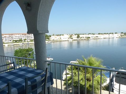 Beautiful apartment on Lake San Maurici, with large terrace and magnificent views