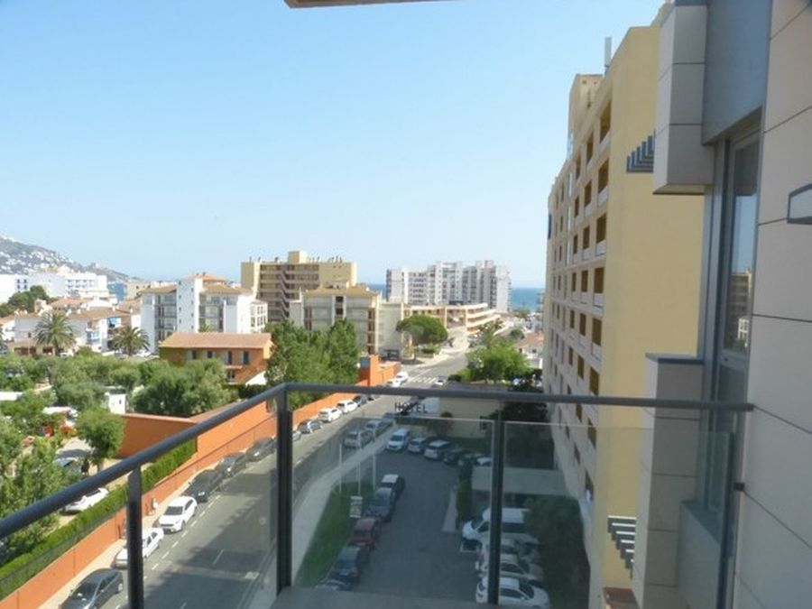 Roses Santa Margarita beautiful penthouse 300 meters from the beach with 3 bedrooms