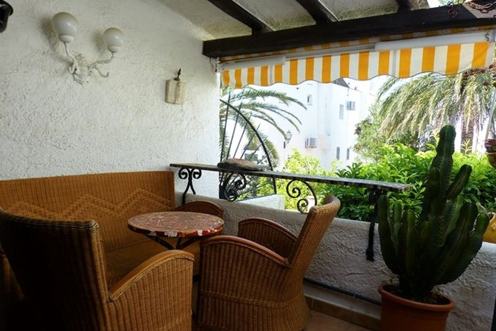 Nice townhouse for sale close to the center with a large terrace