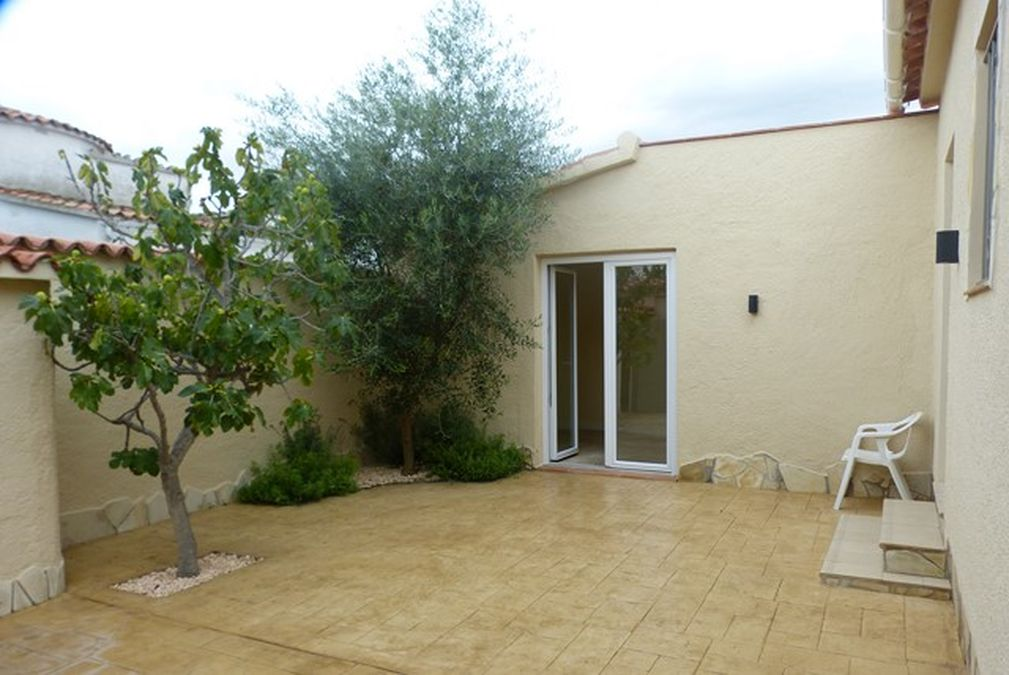 Renovated villa, very good materials, swimming pool