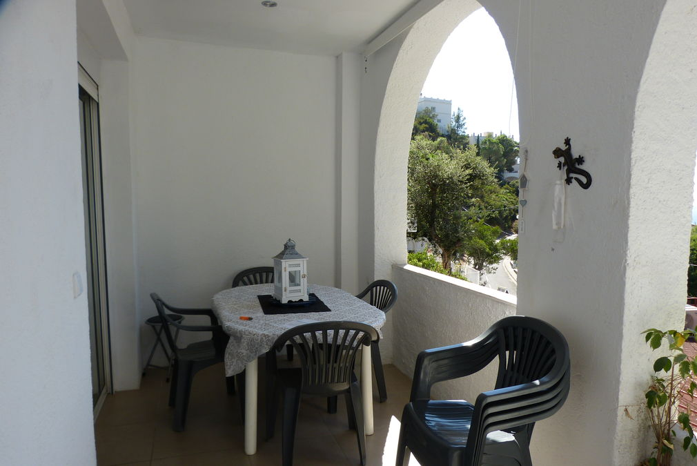 For sale at 250 m. from Canyelles beach in Roses, house with two apartments