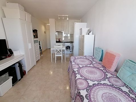 Modern furnished studio with beautiful views of Empuriabrava and the mountains