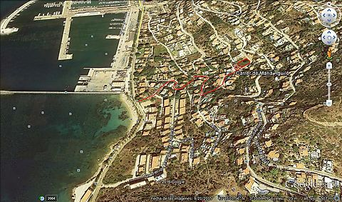 Sale plot in Roses 835 m2, near the beach, conference to the sea