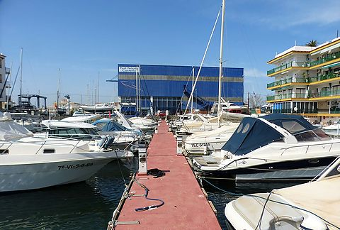 In the canals of Ampuriava: mooring for sailingboats of 10 x 3.25 m for sale