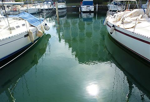 In the first port of Empuriabrava: Mooring for sailboats or yachts of 14 x 4 m for sale.