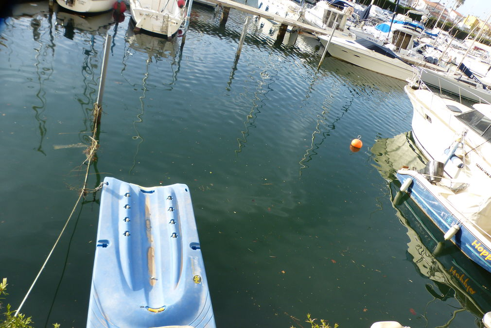 In the first port of Empuriabrava: Mooring for sailboats or yachts of 15 x 3.80 m for sale.
