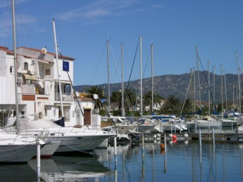 Fisher's house with garage and mooring for sailingboats 18x4.5m Empuriabrava